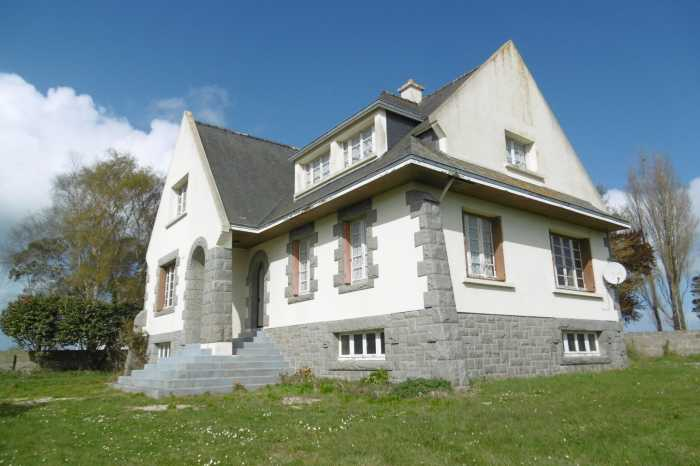 AHIB-1-PO-083 Paimpol 22500 Detached 5 bedrooms house with superb views and 6 minutes from the sea.