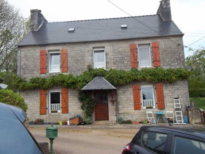 AHIB-3-M2250-2914998 Nr Plougonven 29640 Very attractive rural property with large stone house, private garden and sheds!