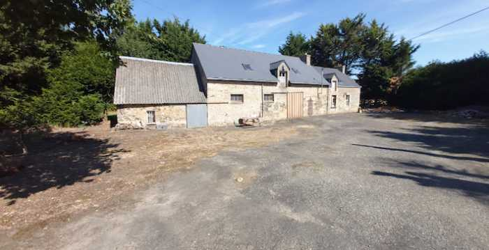UNDER OFFER AHIB-2-YL-3225 Naizin 56500 Part Renovated Stone Detached Longere, Countryside Location with 4770 m2