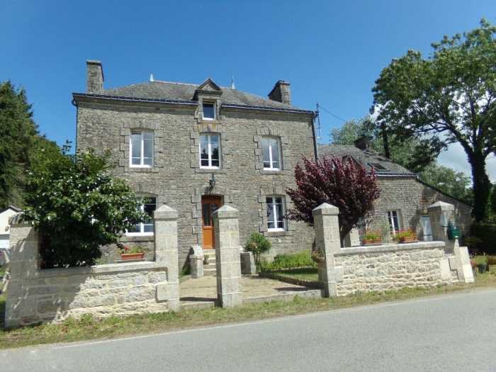 AHIB-2-RH-2768 Lizio 56460 Elegant Village House with Attached Gite and 1/2 acre of Grounds