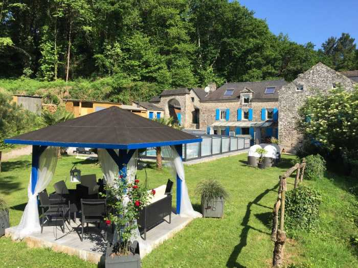 AHIB-2-DN-617 Vannes 56320 Gorgeous 7 bedroomed watermill set in its own valley on 5 acres with pool and bubbling stream!
