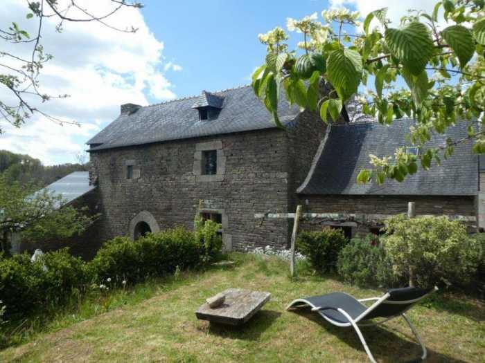 AHIB-3-mon1985 Plouye 29690 Character 4 bedroom house in hamlet with 544m2 garden... work needed to finish!