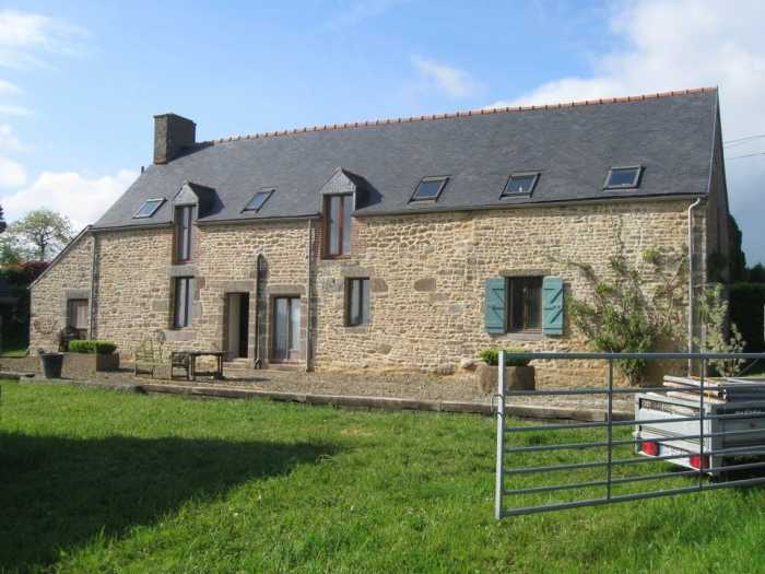 UNDER OFFER AHIB-4-SP-00906 Nr Louvigné-du-Desert 35420 Beautifully presented traditional stone house in Brittany with 1 1/4 acre garden.