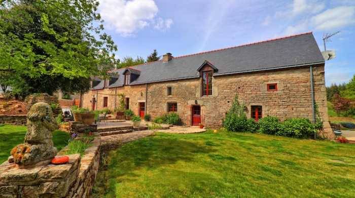AHIB-2-DN-723 Baud 56150 Gorgeous 4 bedroomed village house with 3 acres inc barn, hangar with garage.