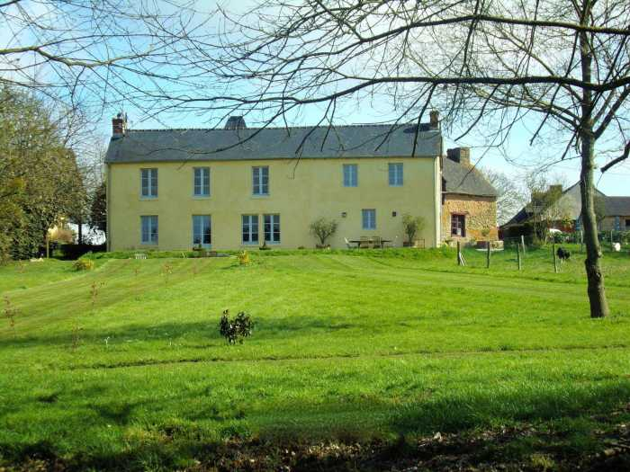 AHIB-2-ME-1831 La Trinite Porhoet 56710 Gorgeous 5 bedroomed property with lovely outbuildings and beautiful 16563 m2 garden with pool