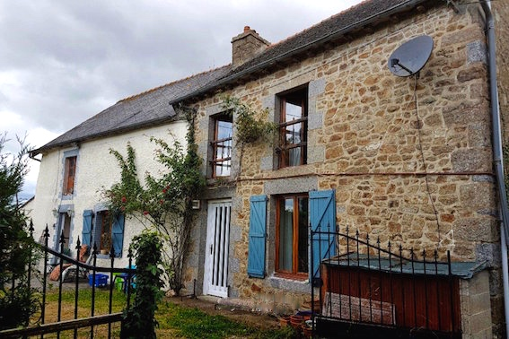 AHIB-1-PS-1105 Merdrignac 22230 Detached 2 bedroomed rural property with half an acre and outbuilding