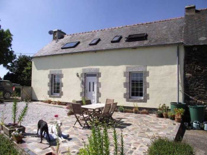 AHIB-1-DS728 Saint-Mayeux (22320) 3 bedroomed house with 2541m2 garden