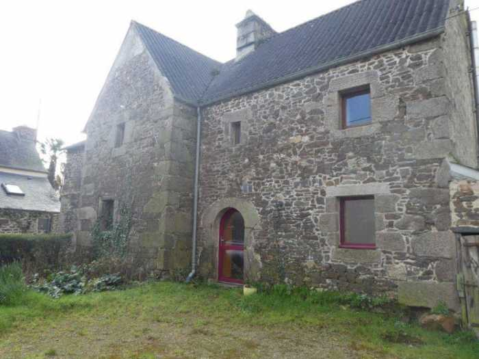 AHIB-3-mon1956 Pleyber Christ 29410 Pretty house to renovate with 597m2 in country hamlet