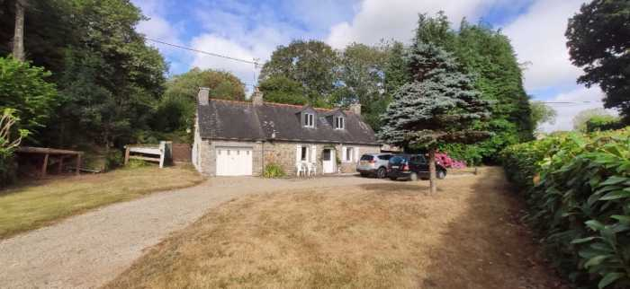 AHIB-1-JD-2838 Rostrenen - A gorgeous detached 3 bedroom property with 1292m2 garden