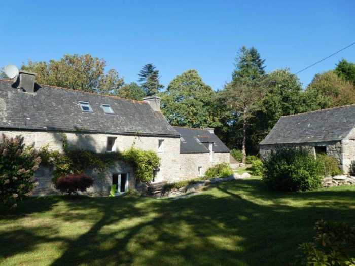 AHIB-3-mon1919 Plouneour Menez 29410 Gorgeous 7 bedroom property with 15 hectares!
