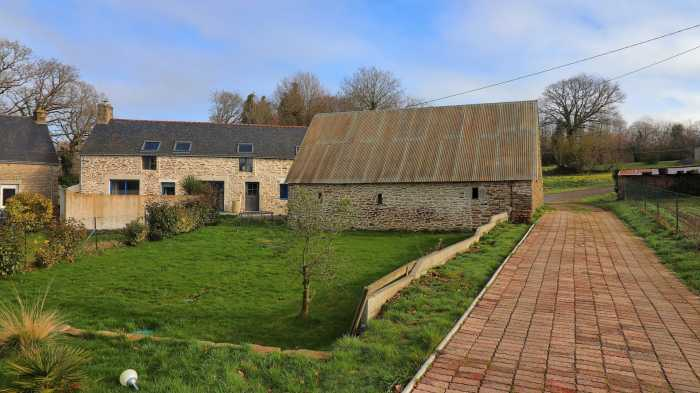 AHIB-2-DN-703 Nr. Locminé 56500 Renovated longhouse with modern deco and 4 bedrooms and 1/4 acre garden