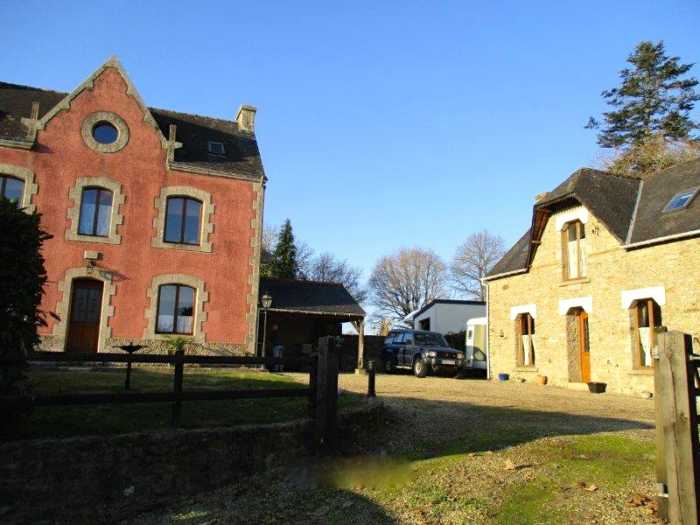 AHIB-2-YL-2363 St Caradec Tregomel Detached (4 bed) house plus (2 bed) detached gite on 1492m2.