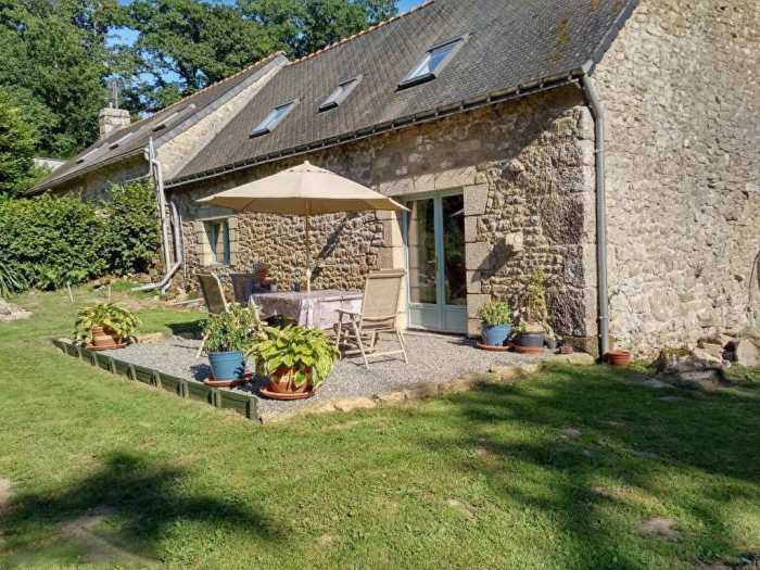 AHIB-2-TR-3027 Ploerdut 56160 1-2 Bedroom Semi-Detached Stone Cottage in the Countryside on 1668m2