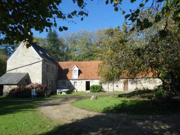 AHIB-3-mon1911 Plouegat Guerrand Beautiful 4 bedroomed property on 9 hectares