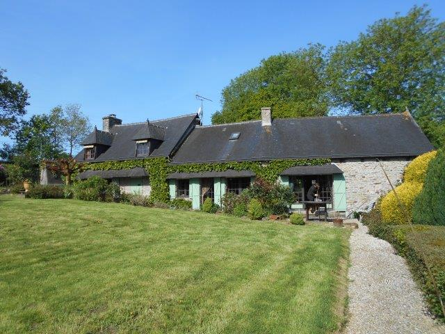 AHIB-1-JS2475 Saint-Martin-des-Prés 22320 Stunning 4 bedroomed mill on 5543m grounds