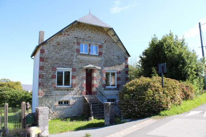 AHIB-2-YL-2891 Nr St Gonnery 56920 Between Pontivy and Loudéac House with 1 bedroom in a village next to the Rigole d'Hilvern€