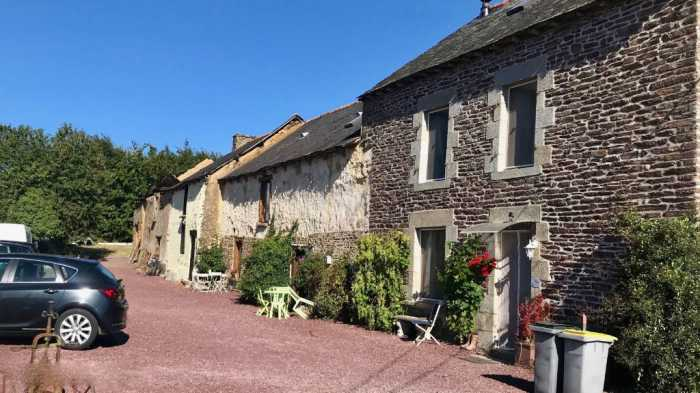 AHIB-4-KIM-2970 Gaël 35290 , 3 bed stone house with 2 fully furnished (2 and 3 bedroom) gites and pool