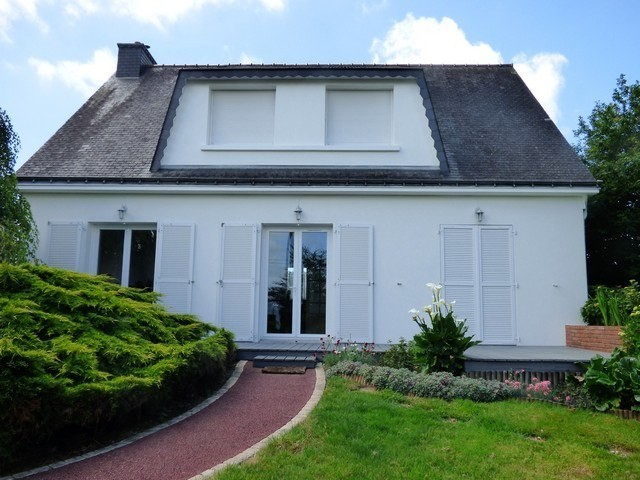 AHIB-2-M213251 Saint-Thuriau 56300 4 bedroomed/ 2 bathroom detached house with garage and 1290m2 garden