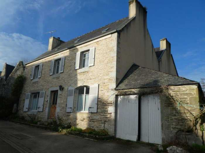 AHIB-3-mon1916 Nr Plouigneau 29610 3 bedroomed 17th century house with 1000m2 garden in country village setting
