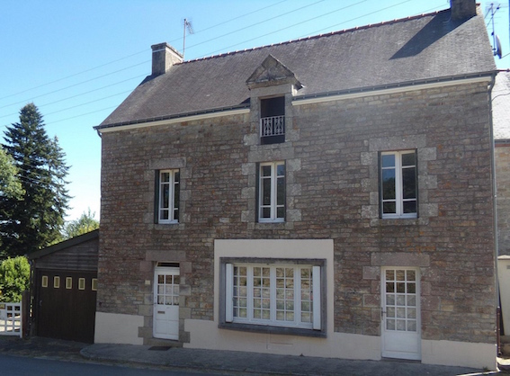 AHIB-2-RH-2441 Nr Josselin 56120 4 bedroomed village house with beautiful 1731m2 garden