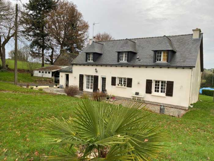 AHIB-1-ID2598 La Prenessaye 22210 4 bedroom detached house with 1595m2 garden