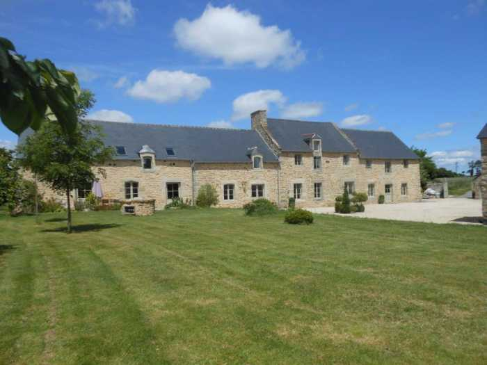 AHIB-1-9573-G Dinan 22100 Delightful period 4/5 bedroom property close to Dinan on 6553m2 grounds