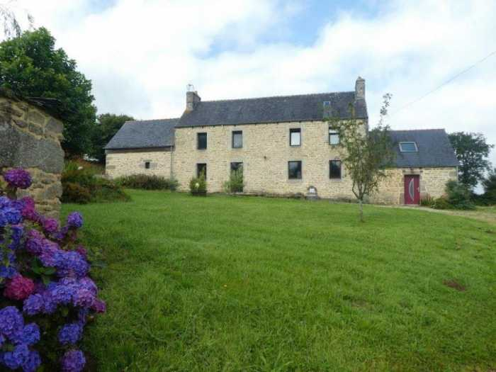 AHIB-3-mon2002 Plougenven 29640 Handsome spacious 3 bedroom detached house with 9290m2 grounds in country setting