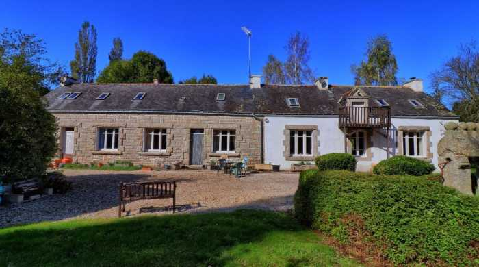 UNDER OFFER AHIB-2-YL-757 Nr. Locminé - Very big (6 bed) riverside longère with just under an acre of land.