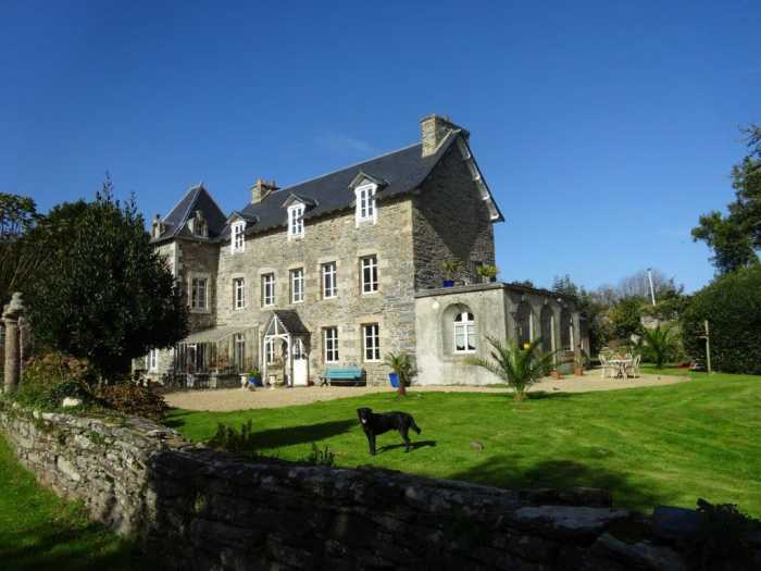 AHIB-3-mon1960 Near Morlaix 4/5 bedroomed manor house on 1.5 hectares in rural hamlet setting