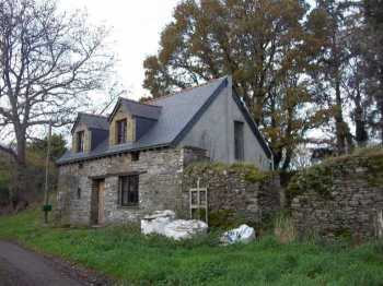 AHIB-3-M2045-2914875 Spezet Area 29540 Gorgeous 2 bedroomed* cottage to complete near Nantes Brest Canal