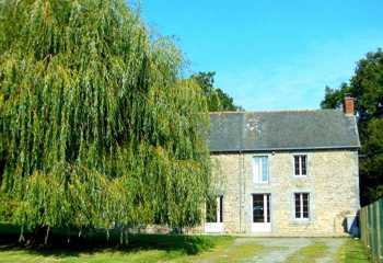 AHIB-1-AA10131-SP Mérillac 22230 Large detached 3 bedroomed stone house to finish in quiet hamlet close to leisure Lake with 2745m2 garden