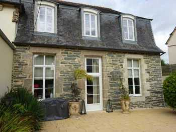 AHIB-3-mon1840 • Morlaix • 3 Bedroomed Former Manor House on a garden of 720m2