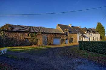 AHIB-2-DN-616 Moréac 56500 4 bedroomed farmhouse with 3 ¾ acres and several outbuildings