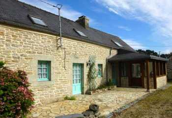 AHIB-3-mon1909 La Feuillee 29690 2 bedroomed detached renovated house on 1200m garden