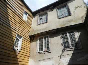 AHIB-3-mon2003 Morlaix 29600 Heart of the city - Beautiful 16th Century house to restore with interior courtyard