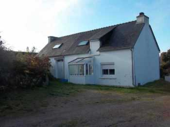 AHIB-3-M2198-2914970 Huelgoat 29690 Ideal holiday property with manageable garden on the outskirts of a pretty village!