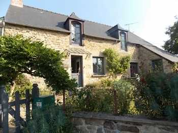 AHIB-1-BB10358-MH Pledeliac area 22270 4 bedroomed family home in lovely setting with 3/4 acre
