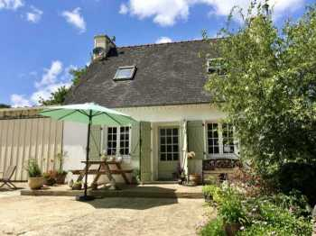 UNDER OFFER AHIB-3-M2381-29141080 Loqueffret 29530 Charming rural property: a cottage, barn and shed with 3,305m² of garden!