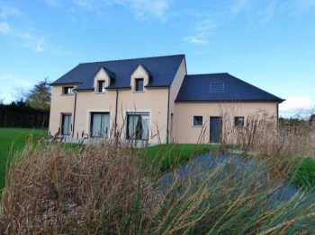 AHIB-1-ID1818 Merdrignac 22230 Detached 5 bedroom modern house with 1130m2 garden. Nicely stylish!