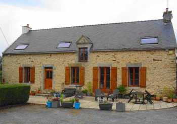 AHIB-2-M209460 Serent 56460 Detached 3 bedroomed countryside longere with 3 bedroomed gite and 18,400m2 grounds