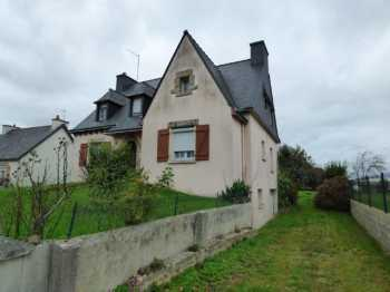 AHIB-1-ID1786 • Le Cambout • 5 Bedroomed Neo Breton House on a 970m2 Garden