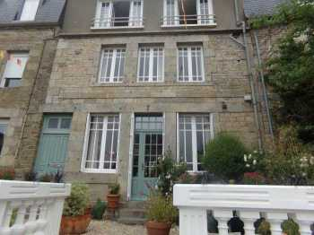 AHIB-2-ME-1937  • La Trinité Porhoet, Morbihan • Established 6 Bedroomed Townhouse with B&B/Gite & lush 530m2 Garden