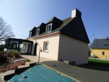 AHIB-1-ID2185 Merdrignac 4 bedroomed detached house with basement garage