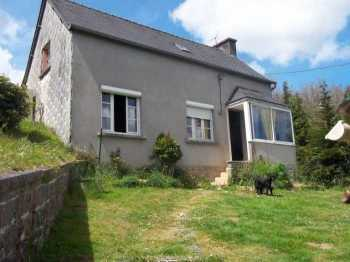 AHIB-3-M2475-29141139 Nr Huelgoat 29690 A rural 4 bedroom house with 900m² of garden and close to the village of Huelgoat!