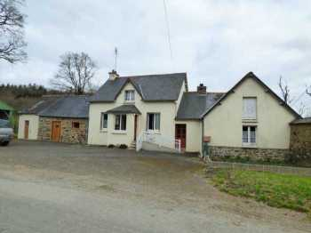 AHIB-1-ID2187 La Prenessaye 2 bedroomed detached house with interesting outbuildings on 1607m2,
