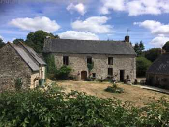 AHIB-2-JS7098742 Pontivy 56300 4 Gites + apartment, pool, restaurant, gym + 3 hectares land