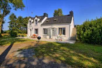 AHIB-2-DN-649 Guemene sur Scorff 56160 Pretty and beautifully renovated 2 bedroomed house with 2.5 acres