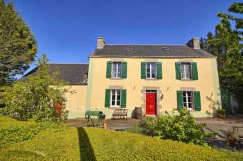 AHIB-2-YL-2709 Kergrist 56300 Nr Pontivy Lovely 4 bedroomed house with 3 acres