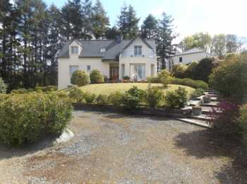 AHIB-3-AM Sizun 29450 3 Bedroom, 3 Bathroom Home with lovely garden of over half an acre