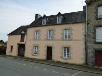 AHIB-1-ID2204 La Prenessaye 3 bedroomed village house with garage and 1000m2 garden.